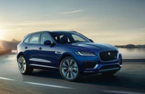 Jaguar F-Pace признан лучшим автомобилем года
