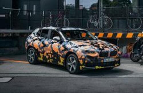 BMW впервые показала новый кроссовер X2