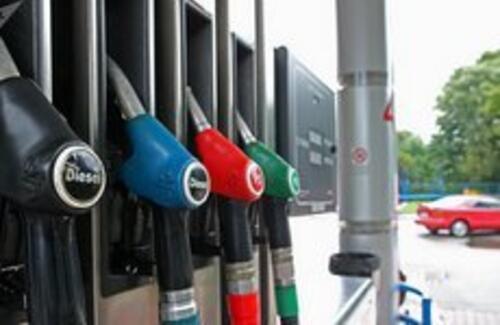 """Повышение цен на бензин объяснили в """"КазМунайГазе"""""""