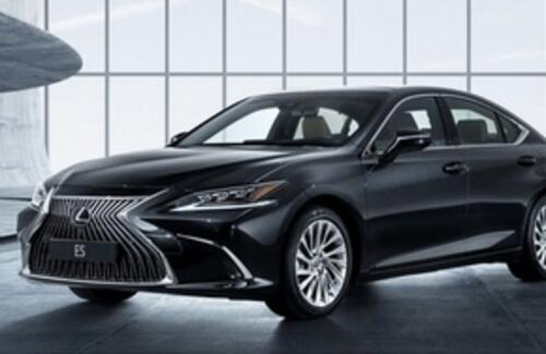 Новый Lexus ES заменит сразу две модели