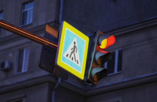 В Астане тестируют умный светофор
