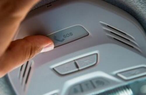 В Казахстан разрешили ввозить автомобили без кнопки ЭВАК