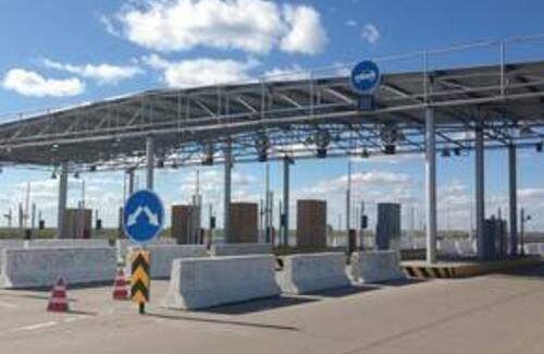 Три казахстанские автодороги становятся платными