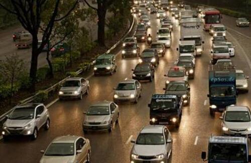 В Британии хотят запретить продажу машин на бензине