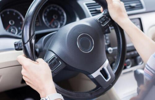 Казахстанским водителям разрешили не возить с собой документы