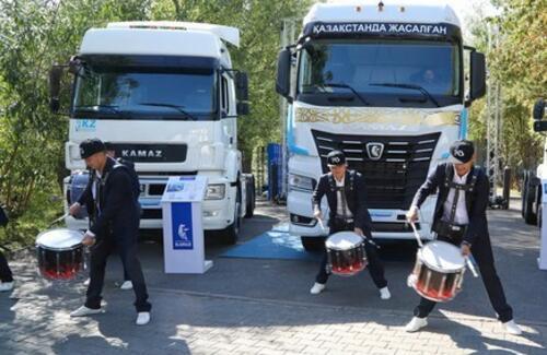 Новый KAMAZ казахстанской сборки презентовали в Нур-Султане
