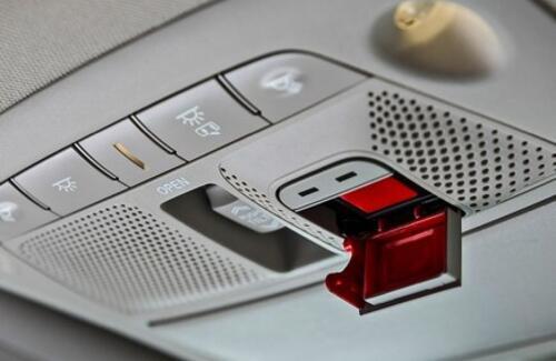 АвтоВАЗ начал выпускать автомобили без кнопки SOS